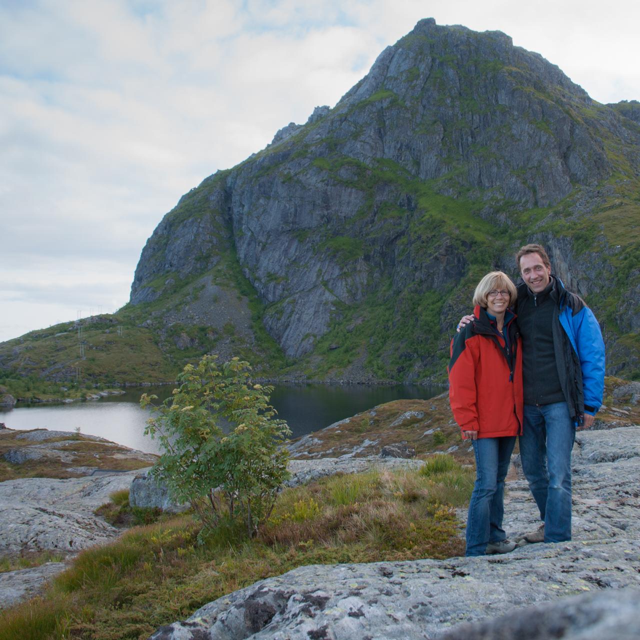 Judith und Tom Kaffka auf den Lofoten bei Dreharbeiten zum Film Ins Innere Norwegens