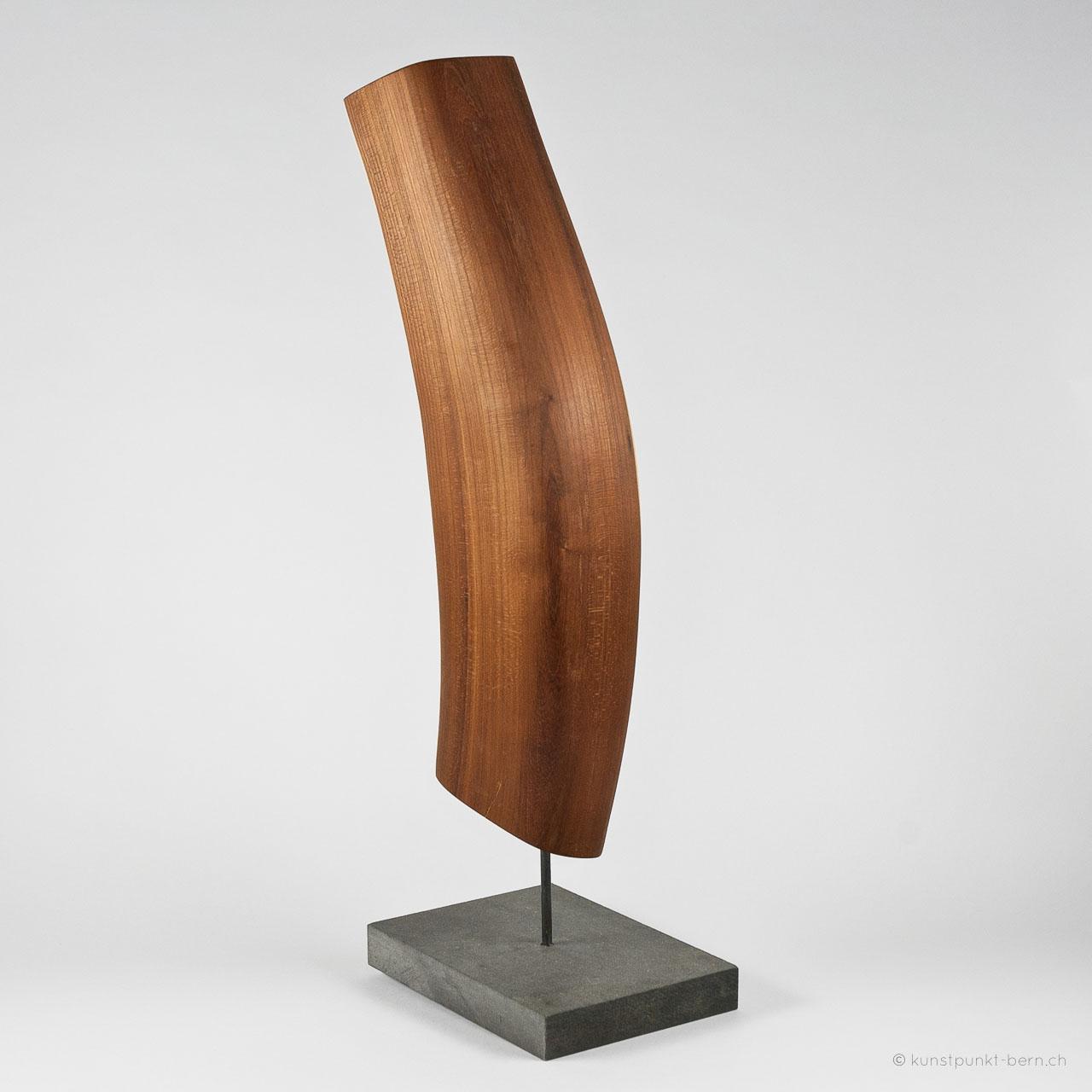 Erinnerung aus Goldregen - Holzskulptur - von Judith Kaffka - kunstpunkt-bern.ch